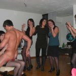 Striptease à domicile anniversaire Luxembourg
